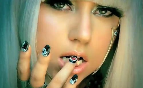 The Sunday Nail Battle : Mon Hommage à Lady Gaga