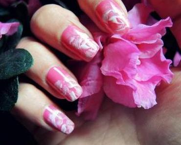 Un nailstorming fleuri !