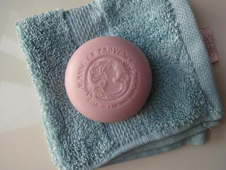 Savon à la rose Jeanne en Provence