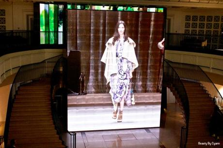 Show-Bloomsbury-Girls-Burberry