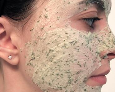 Blancrème, le masque aux herbes