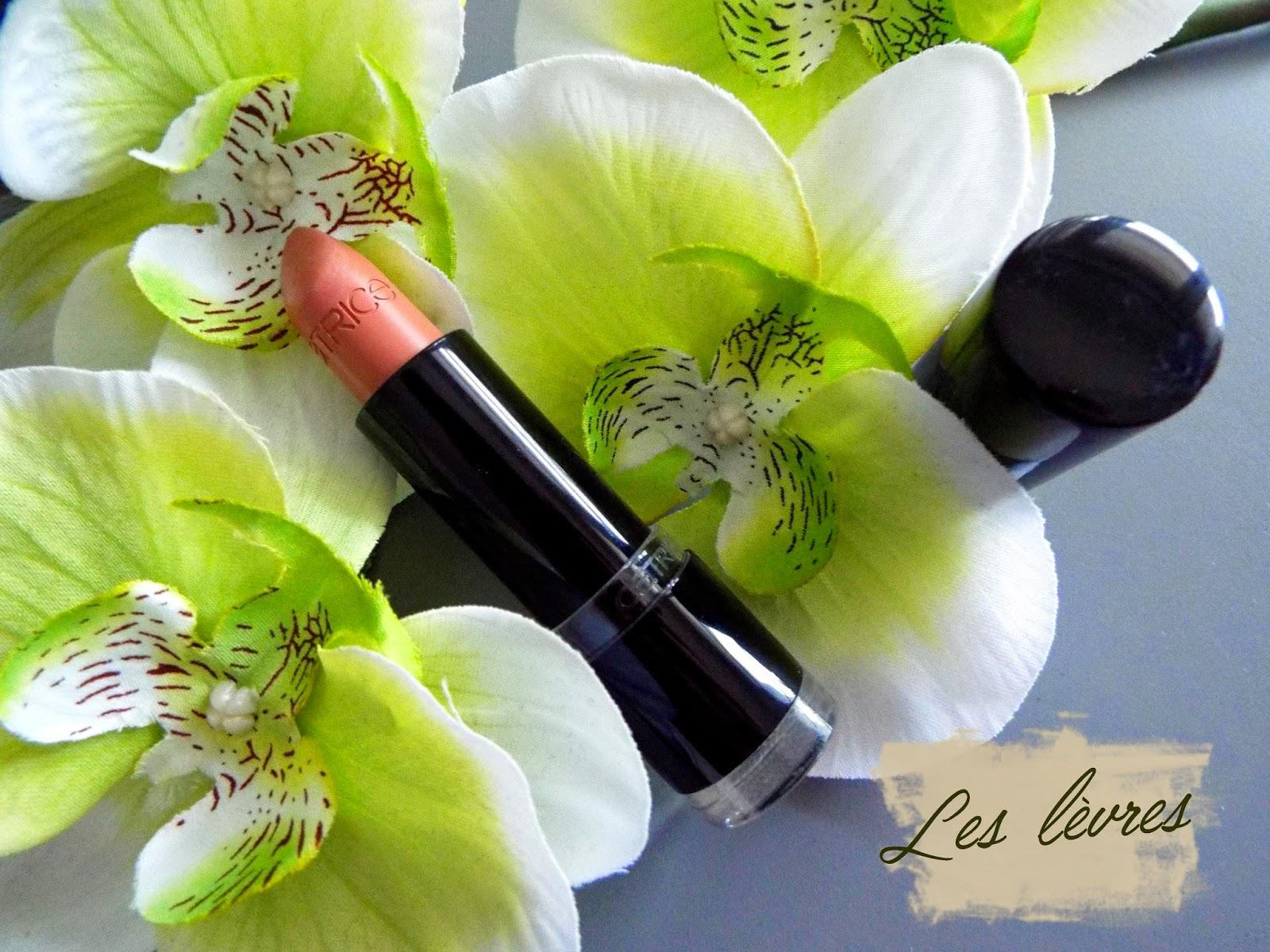 La maquillage vert et or de la mariée Orientale