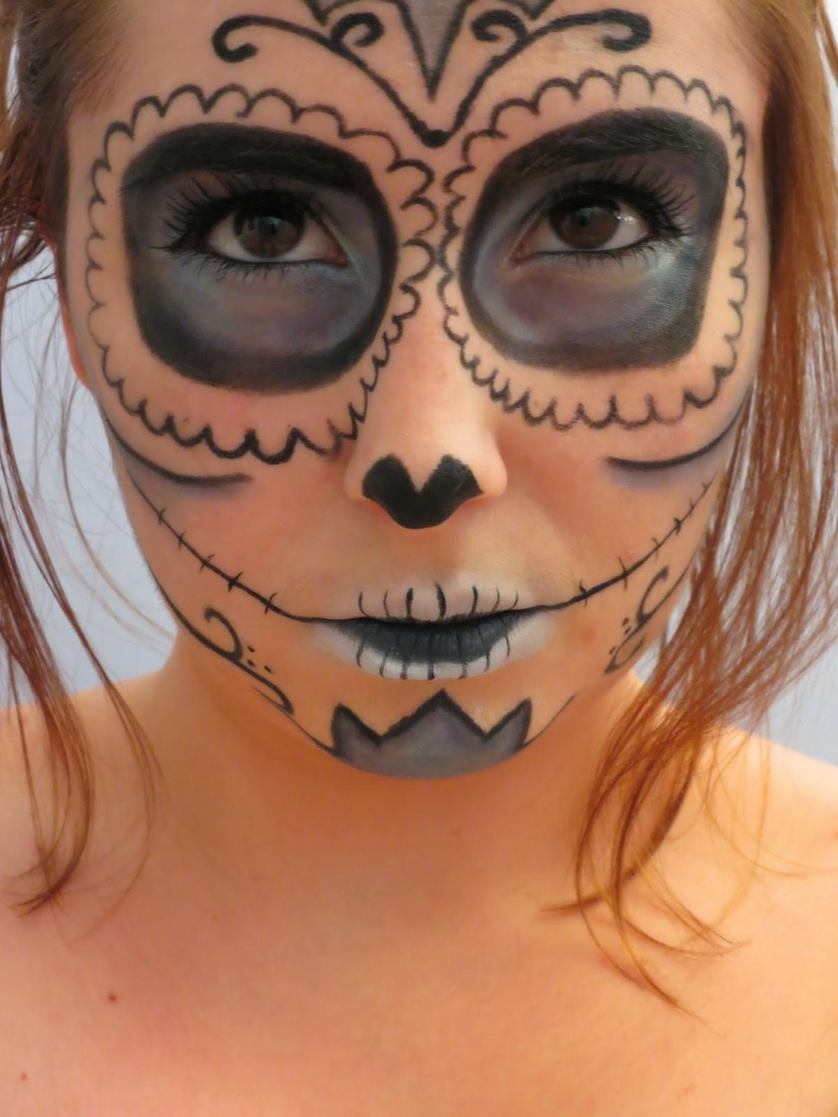 Maquillage d 39 hallowen clown diabolique sugar skull vieille sorci re - Maquillage de clown facile ...