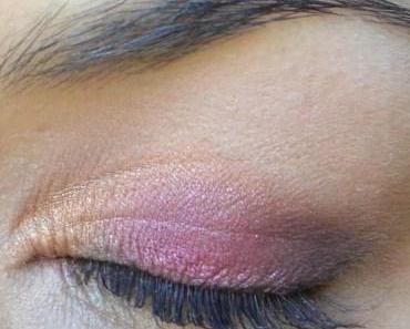 Un maquillage de rose et d'or avec la Vice 3