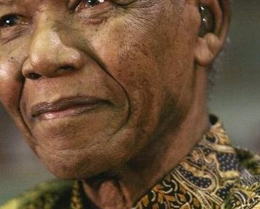 Nelson Mandela et ses Madiba shirts | Quand la mode s'allie au politique