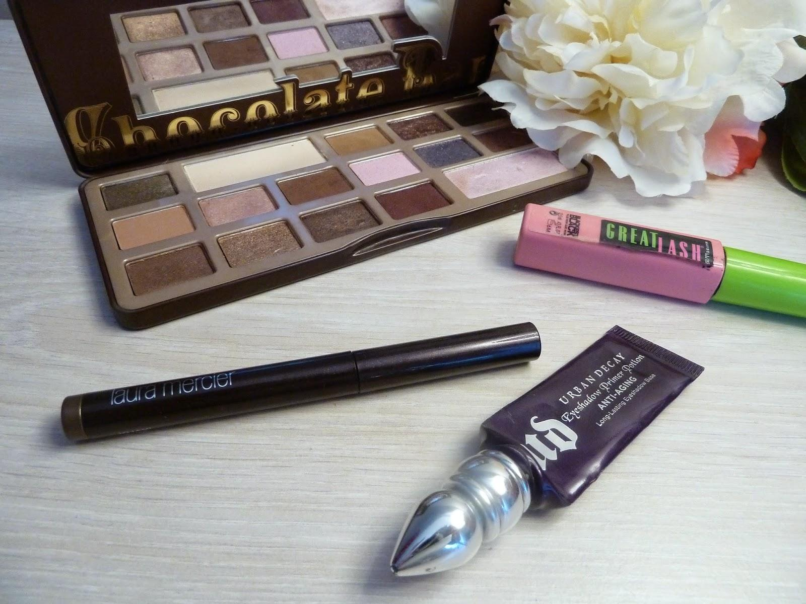 Make-up facile avec le Caviar Stick khaki - Laura Mercier