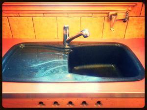 Comment nettoyer un évier en Silgranit (résine granit) ?