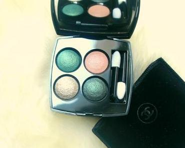 Un maquillage des yeux intense avec Chanel