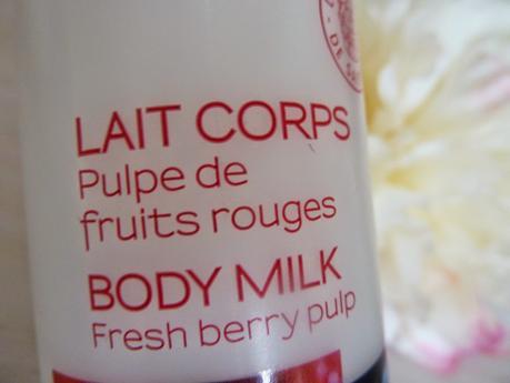 Un corps fraîchement hydraté avec le Lait Corps Pulpe de Fruits Rouges - Melvita