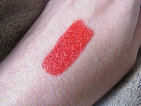 Rouge Rebelle, le rouge orangé parfait pour l'été !