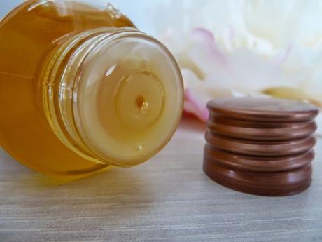 Je rebooste ma tignasse avec l'Huile capillaire nourrissante aux huiles essentielles Bio - Florame