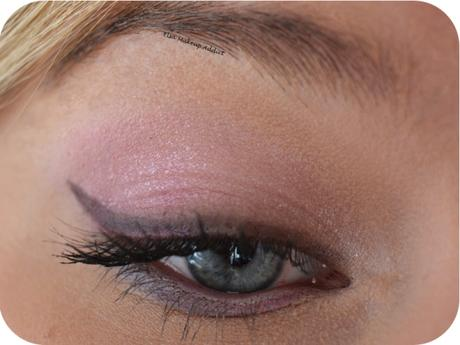 Makeup Rose Bébé Cat Eyes Too Faced 2