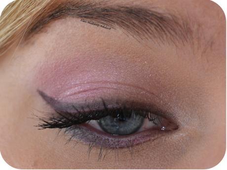 Makeup Rose Bébé Cat Eyes Too Faced 1