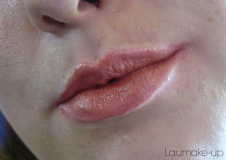 * Le Rouge à Lèvres de la semaine avec un nude rosé *