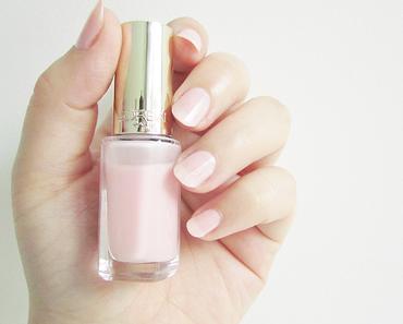 Rose Mademoiselle de l'Oréal : le nude presque parfait et son nail art girly à souhait