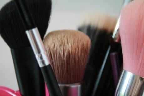 [Month Make Up Fever] Ma routine makeup minimaliste, sans pinceau !