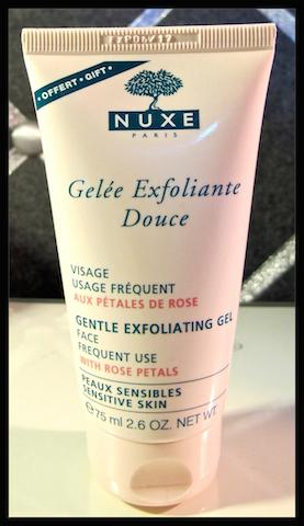 Gelée exfoliante douce de Nuxe aux pétales de rose : l'exfoliation à intensité variable