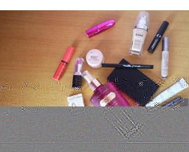 Ce que j'emporte au Maroc dans ma trousse à maquillage