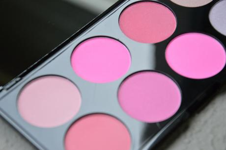 All about pink // Make-Up Revolution