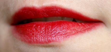 De la Griotte sur mes lèvres avec le Crayon Rouge à Lèvres Bio Avril !