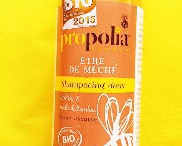 Je suis de mèche avec les abeilles, avec le shampooing doux de Propolia