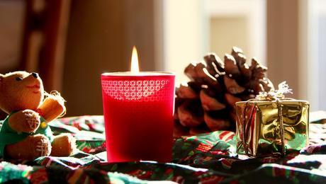 id e cadeau 1 bougies de no l maison. Black Bedroom Furniture Sets. Home Design Ideas