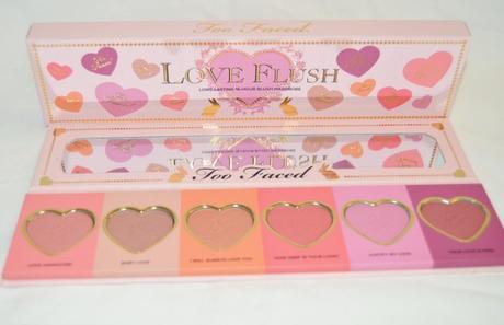 Extérieur et intérieur palette Love Flush Blush // Too Faced