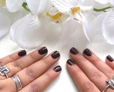On my nails : Searling Darling
