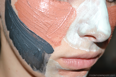 Le masque pour la personne à la peau très sèche