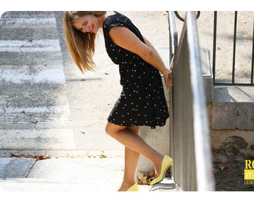 Robe d'été et peep toes jaunes