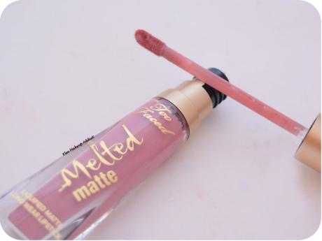 Je me mets au nude avec le Queen B de Too Faced