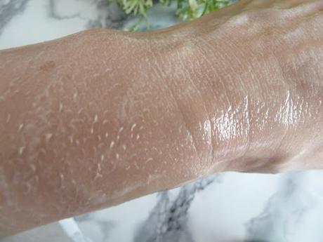 Démaquillage rapide et respectueux de ma peau sensible avec Florame