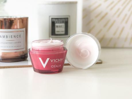 Crème Idéalia de Vichy, convient-elle également aux peaux grasses ?