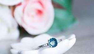 Alex Bok, bijoux faits avec amour.
