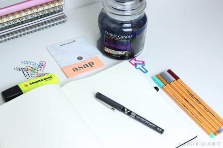 Bullet Journal Starter Kit 🔖✂️ | Avec quoi commencer ?