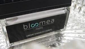 Crème visage corps Bloomea pour effacer stigmates l'âge