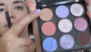 [Vidéo]GRWM maquillage violet pour journée entre amies